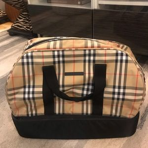 Burberry nylon checkered duffle bag